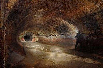 terowongan bawah tanah